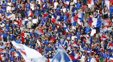 אוהדי נבחרת צרפת. בלי גזענות, בבקשה (רויטרס)