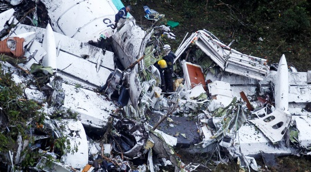 שרידי המטוס של שאפקואנסה (רויטרס)