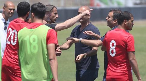 שחקני הפועל לאחר התגרה (רדאד ג'בארה)