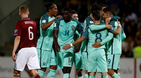 שחקני פורטוגל עם 15 נק' בקופה (רויטרס)