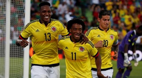 שחקני קולומביה חוגגים (רויטרס)