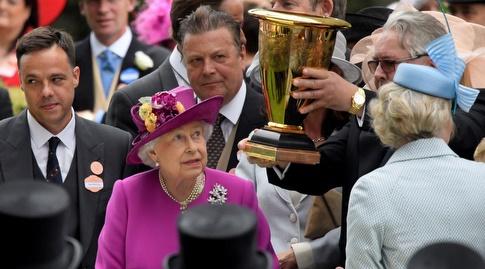 המלכה אליזבת השנייה ברויאל אסקוט (רויטרס)