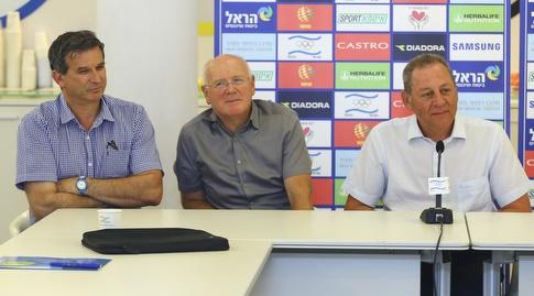 ראשי הוועד האולימפי, יגאל כרמי, גילי לוסטיג ודני אורן (איציק בלניצקי)