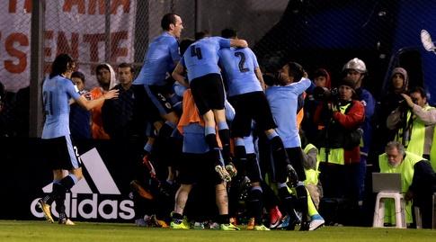 שחקני אורוגוואי בטירוף (רויטרס)
