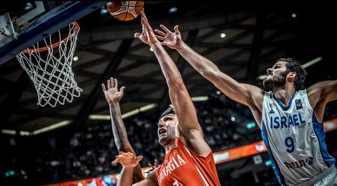 כספי מול פאצ'וליה במשחק ביניהם (FIBA)