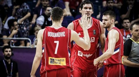 שחקני סרביה חוגגים (FIBA)
