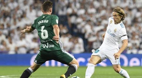 לוקה מודריץ' מול פביאן רואיס (La Liga)