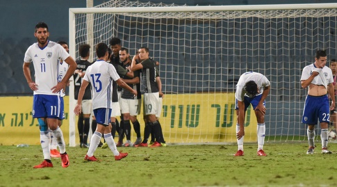 נבחרת ישראל מאוכזבים על רקע חגיגות נבחרת גרמניה (נעם מורנו)