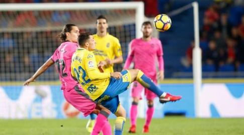שימו נבארו עוצר את הכדור (La Liga)