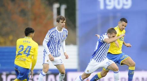 טאנה מביט מהצד (La Liga)
