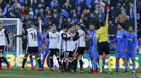 מאורו ארמבארי רואה כרטיס אדום (La Liga)