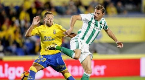 דני קסטיאנו בפעולה הגנתית (La Liga)