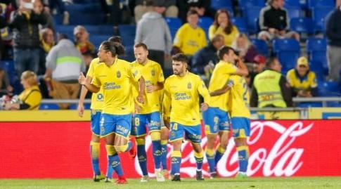 שחקני לאס פלמאס חוגגים (La Liga)