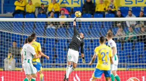 אנטוניו אדאן הודף (La Liga)