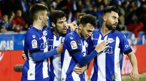 מוניר חוגג עם חבריו (La Liga)