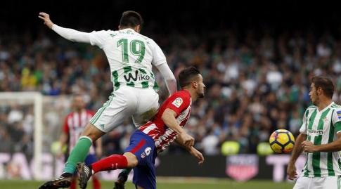 קוקה ובראגן במאבק על כדור גובה (La Liga)