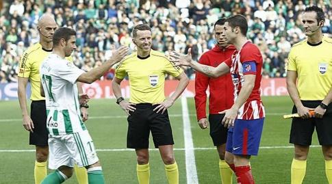 הקפטנים גאבי וחואקין לפני שריקת הפתיחה (La Liga)