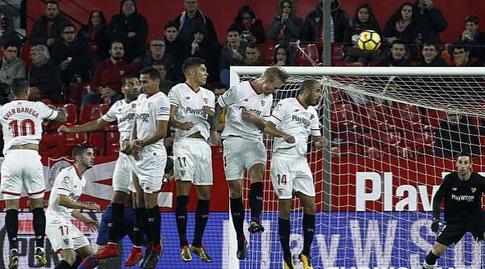 חומת שחקני סביליה (La Liga)