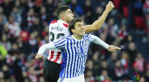 אונאי נונייס קופץ לכדור עם אויארסאבל (La Liga)