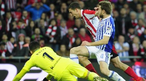 דה מרקוס חולף על פני רולי (La Liga)