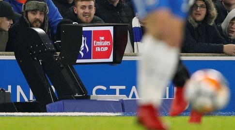 מערכת שופטי הווידאו אותה בוחנת ההתאחדות האנגלית במשחקי הגביע (רויטרס)