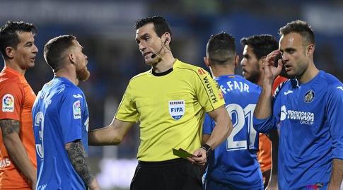 חואן מרטינס מרגיע את השחקנים (La Liga)