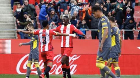 מייקל אלונגה חוגג עם חואן מוחיקה (La Liga)