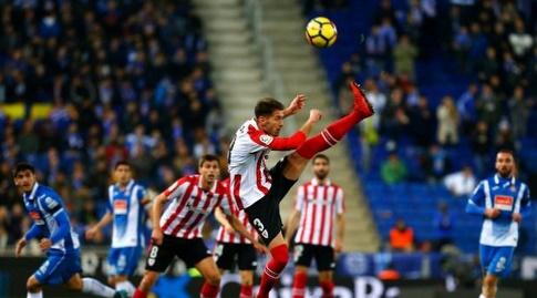 אנריקסבוריט מנסה להרחיק (La Liga)