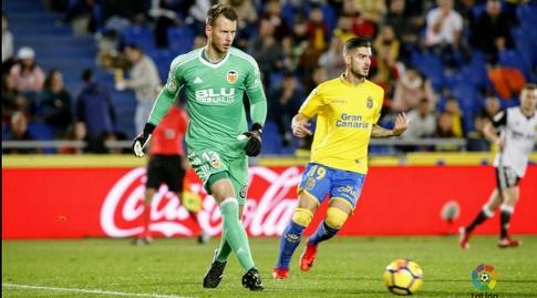 הרנן טולדו מנסה לעצור את נורברטו נטו (La Liga)