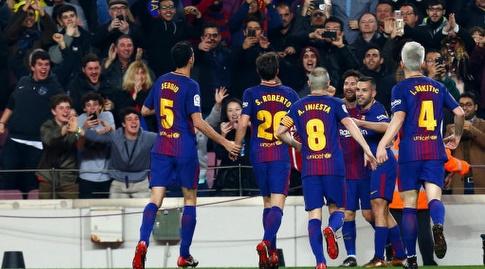 שחקני ברצלונה באים לברך (La Liga)