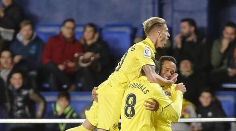 שחקני ויאריאל חוגגים (La Liga)