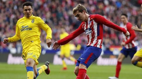 אנטואן גריזמן מנסה לבעוט (La Liga)