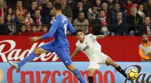 חסוס נבאס עוצר את הכדור (La Liga)