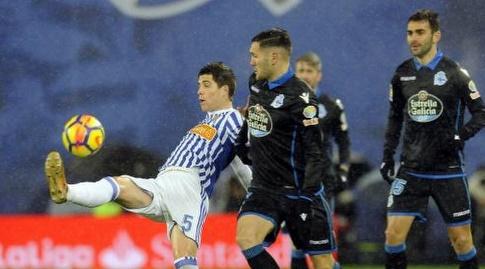 איגור זוביילדה מקפיץ את הכדור (La Liga)