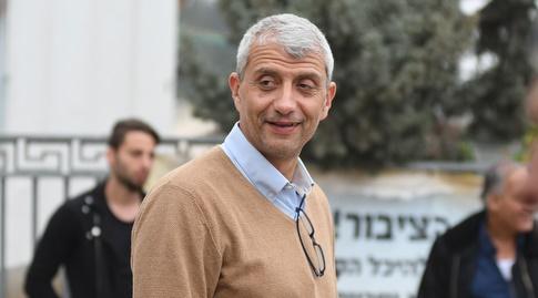 אסף בן דב (עמרי שטיין)