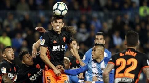 גבריאל פאולסיטה מתרומם לכדור גובה (La Liga)