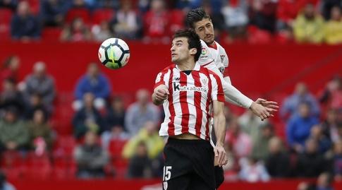 איניגו לקווה עולה לכדור גובה (La Liga)