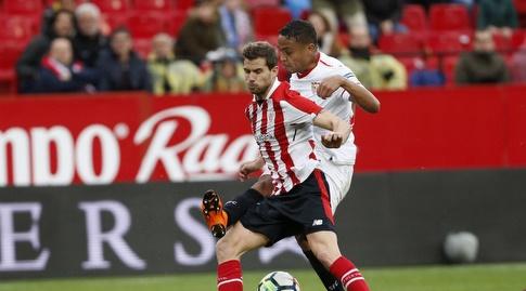 לואיס מוריאל מנסה לחטוף את הכדור (La Liga)
