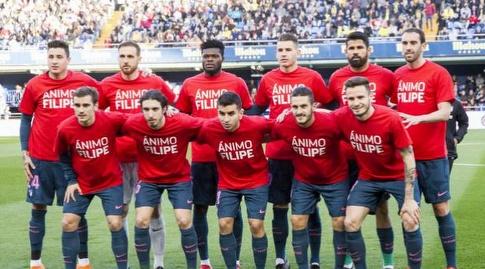 שחקני אתלטיקו מדריד בתמונה קבוצתית רגע לפני פתיחת המשחק (La Liga)