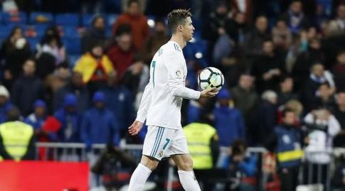 כריסטיאנו רונאלדו לוקח את כדור המשחק הביתה (La Liga)