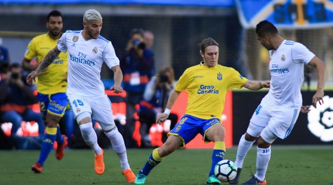 תאו הרננדס וקאסמירו מול הכדור (La Liga)