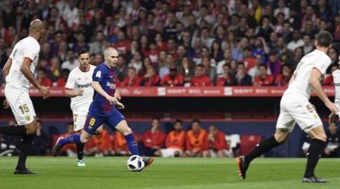 אנדרס אינייסטה מול הגנת סביליה (La Liga)