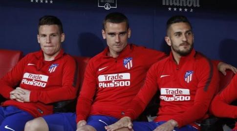 קוקה, אנטואן גריזמן וקווין גאמיירו על הספסל (La Liga)