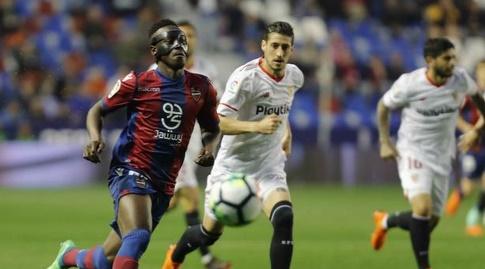 סרחיו אסקודרו רודף אחרי עמנואל בואטנג (La Liga)