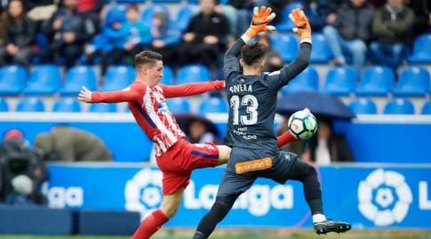 אנטוניו סיברה עוצר את פרננדו טורס (La Liga)