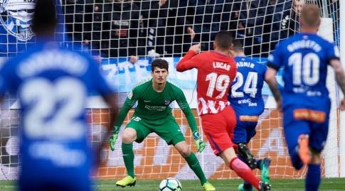 לוקאס הרננדס עוצר את מוניר אל חדאדי (La Liga)