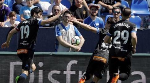 מאנו גארסיה חוגג עם ויקטור לופס (La Liga)