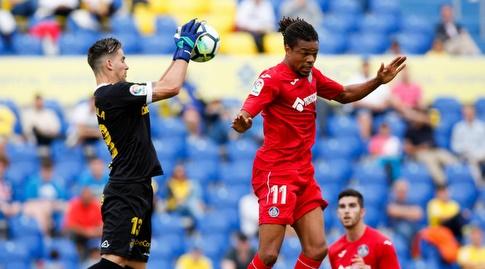 לואיק רמי עולה לכדור גובה (La Liga)