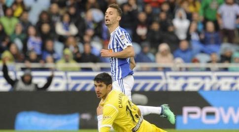 נראו צ'מפאן צולל אל הכדור (La Liga)
