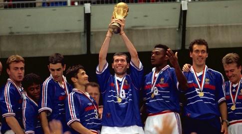 זידאן עם גביע העולם (רויטרס)